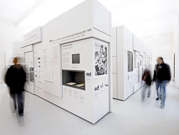 ludwig galerie schloss oberhausen. Black Bedroom Furniture Sets. Home Design Ideas